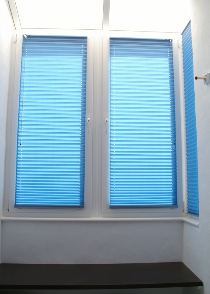 Cable-Guided Pleated Blind: standard fabric