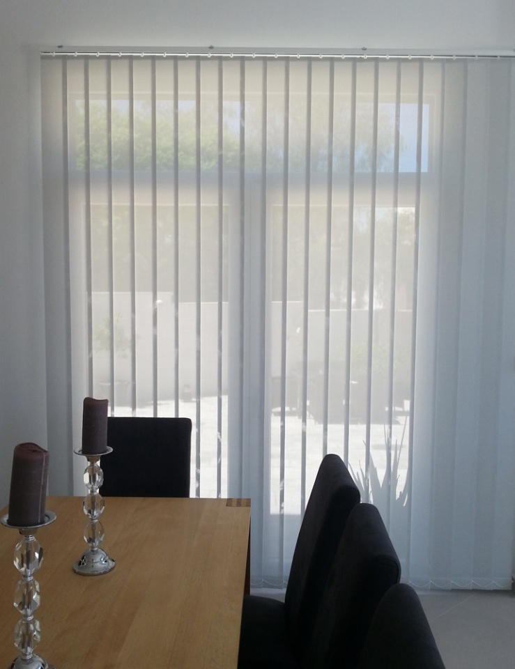 Vertical Blind: 127mm Polyscreen