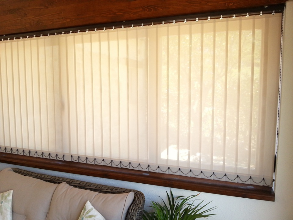 Vertical Blind with dark brown rail and chain: 89mm Polyscreen