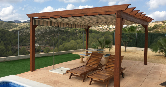 Pergola with Integrated Awnings